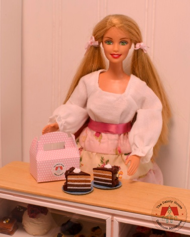 Miniature Chocolate Cake for Barbie or Blythe